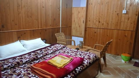 Seraj Homes | Shanghar | GuestHouse