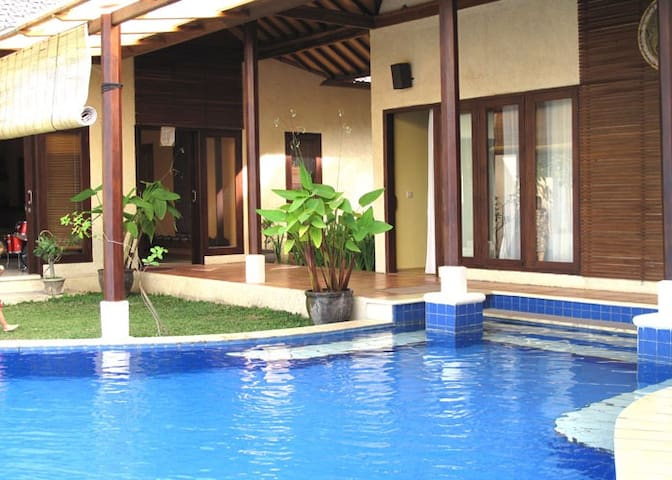Lovina Villa - 5 bedrooms, Sea View. Lovina Beach - Sukasada - Villa