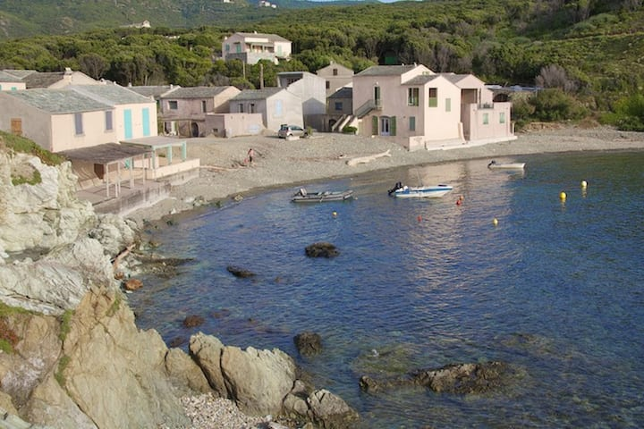 House with one bedroom in Centuri, with wonderful sea view and furnished balcony - 20 km from the beach