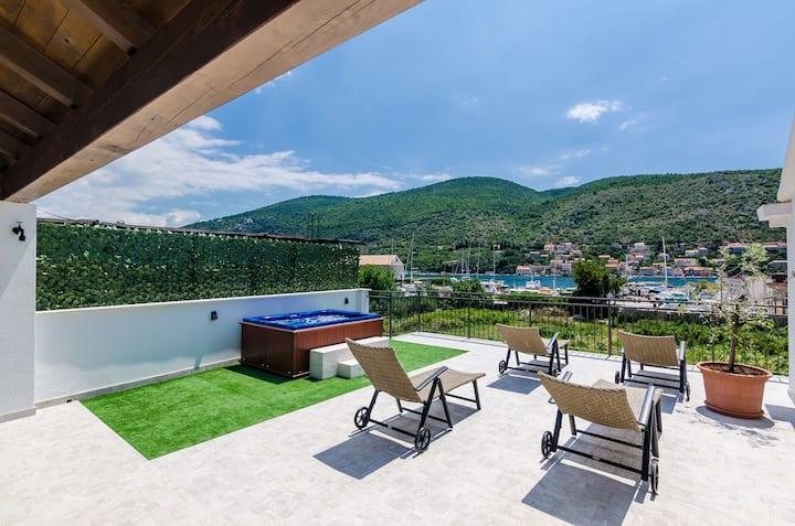 Hacienda Dubrovnik Apartments Mountain View