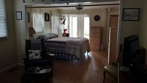 "Belmar Oceanview ""Studio by the Sea"" Covid-19"