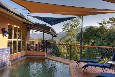 Kookas B & B - a tropical haven - Edge Hill - Bed & Breakfast