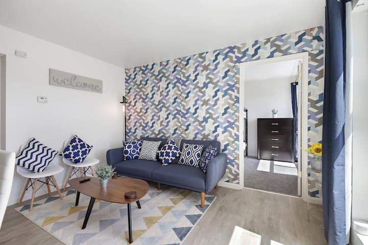 NEW! 2BE/1B Spacious Apartment Close to Caltrain