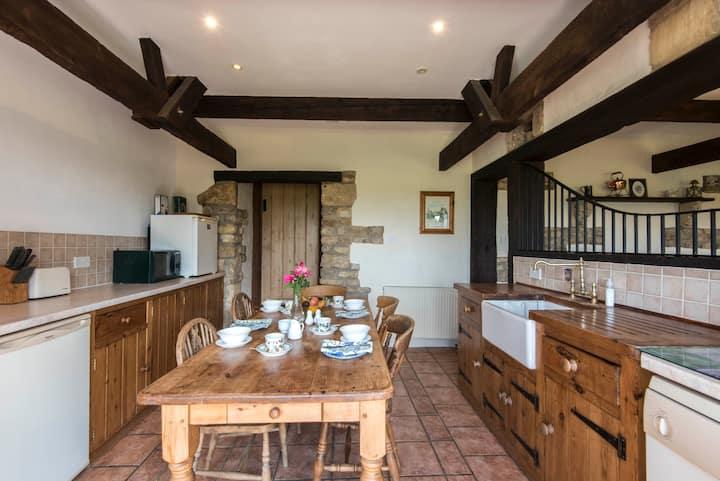 Dairy cottage - stunning rural setting nr Bath