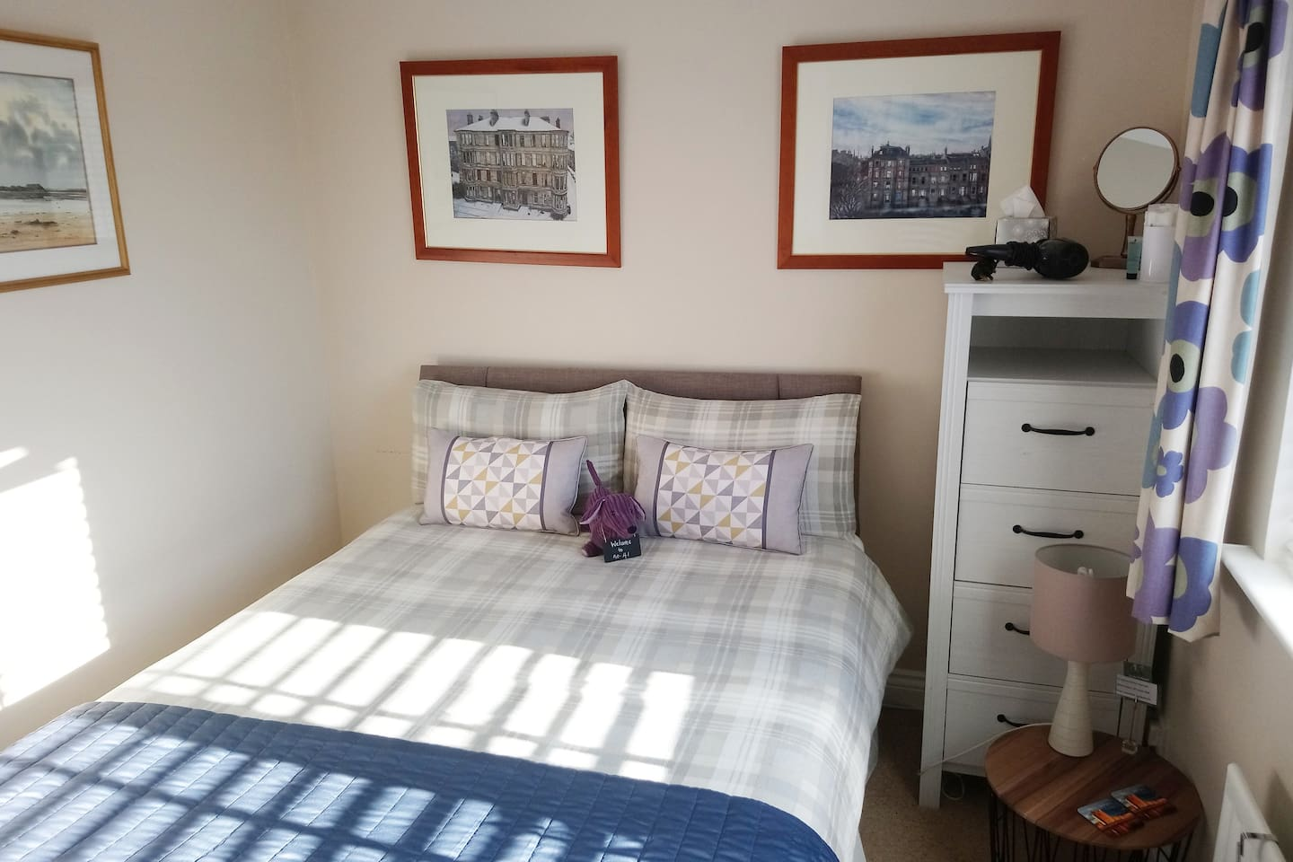 Bright double bed  for single occupancy only