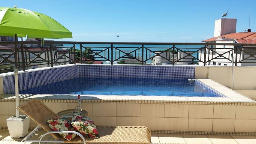 Cobertura - vista p/ mar e piscina - Bombinhas - Apartamento