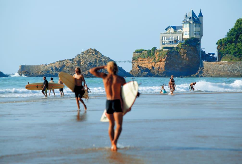 Sun, Sea, and Surf = plage de la côte des Basques, 400 m de l'appartement