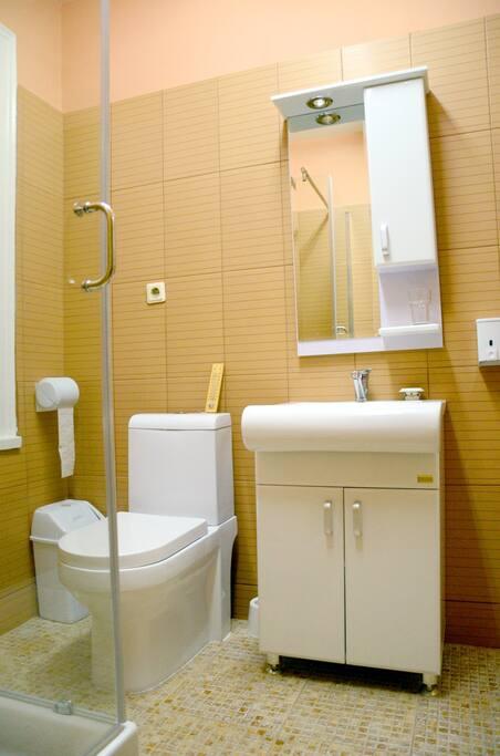 Lihnidos bathroom