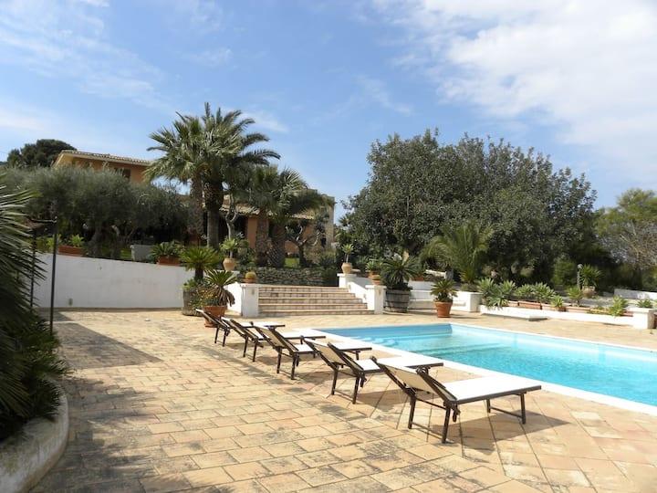 La Casetta - Cottage con piscina, giardino e wi-fi