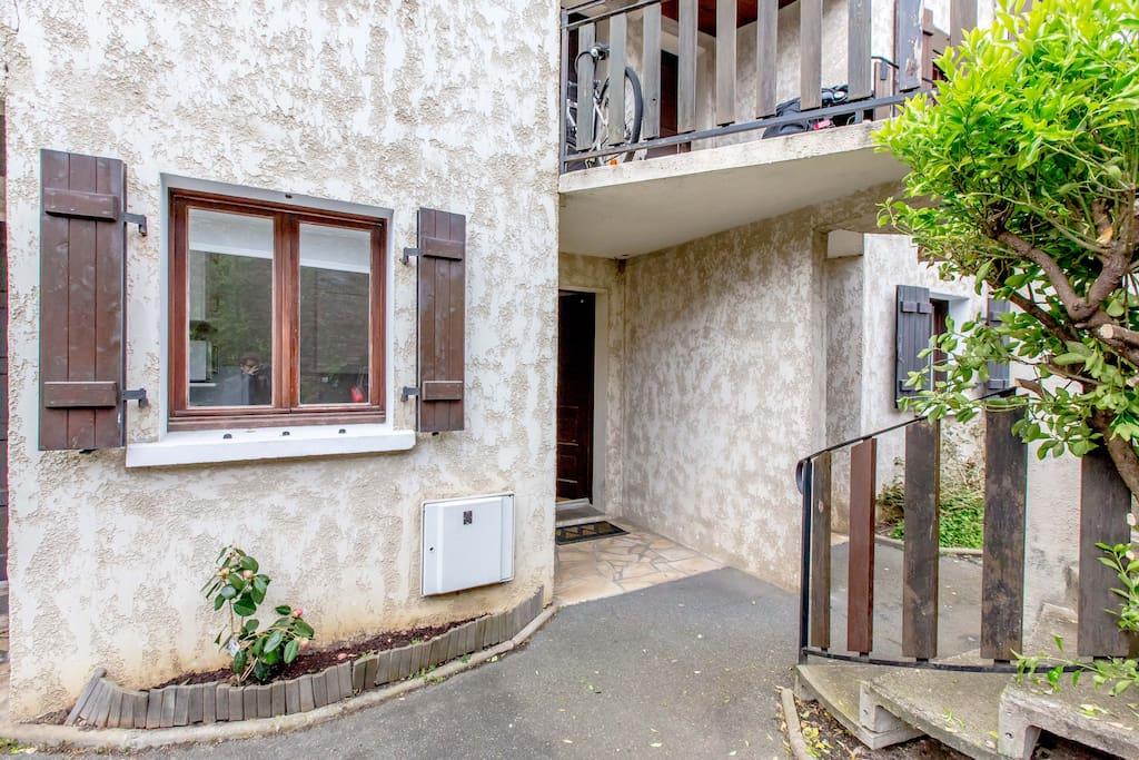 Beau studio 30 m2 24m2 jardin centre ville 4 per apartments for rent in biarritz aquitaine - Beau jardin apartments ...