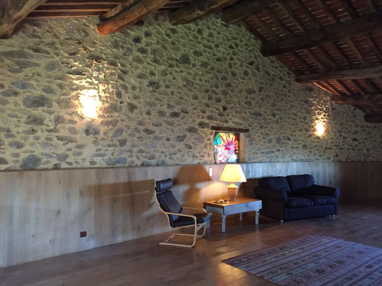 Large private lounge with sofa, games, books, wifi