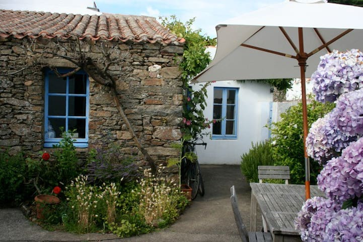 Charming cottage on Ile d' Yeu