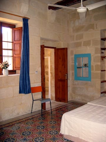 Downstairs bedroom - accessible WITHOUT mounting any stairs at all!