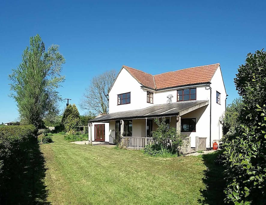 Cottage overlooking lower woods nature reserve houses for rent in wickwar united kingdom - Houses woods nature integrated ...