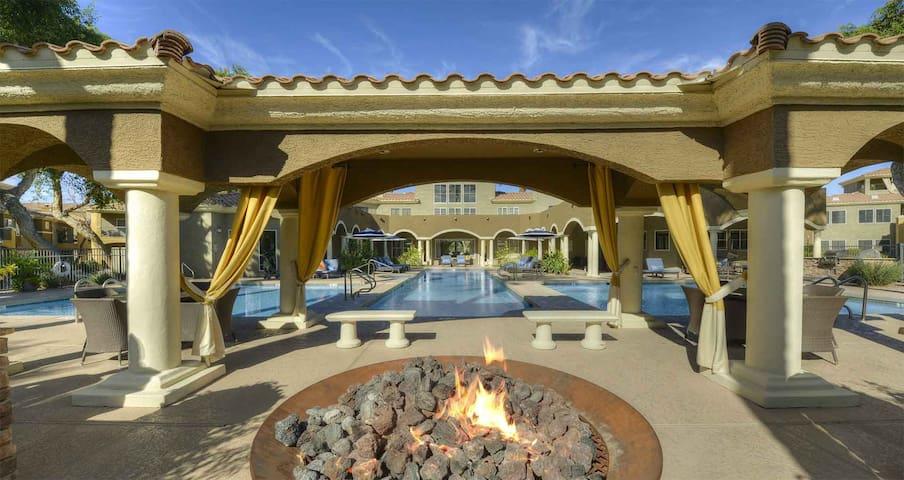 5 Bed 4 Bath Luxury Condo on TPC Scottsdale