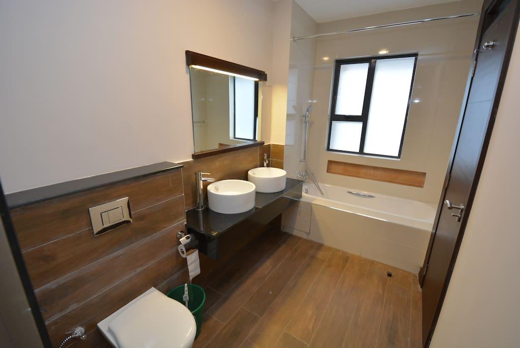 2/5 restroom