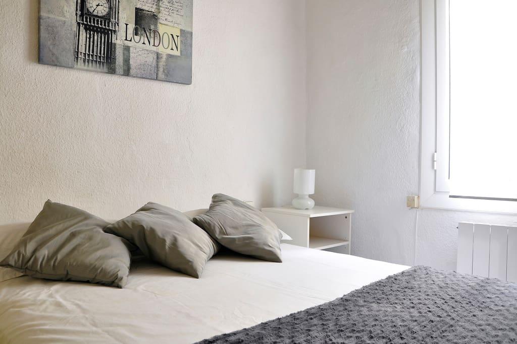 Centre ville jolie chambre chambres d 39 h tes louer - Chambre d hote barcelone centre ...