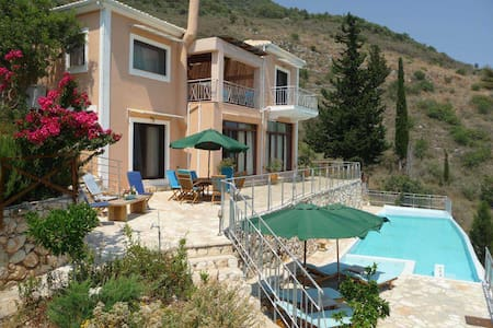 Villa Iris, dream home, lovely view - Ellomenos