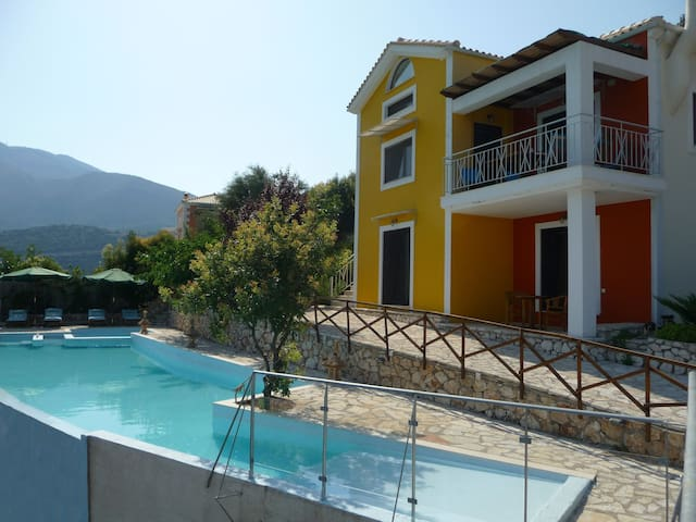 Villa Rose, luxury house,great view - Ellomenos - Casa de camp