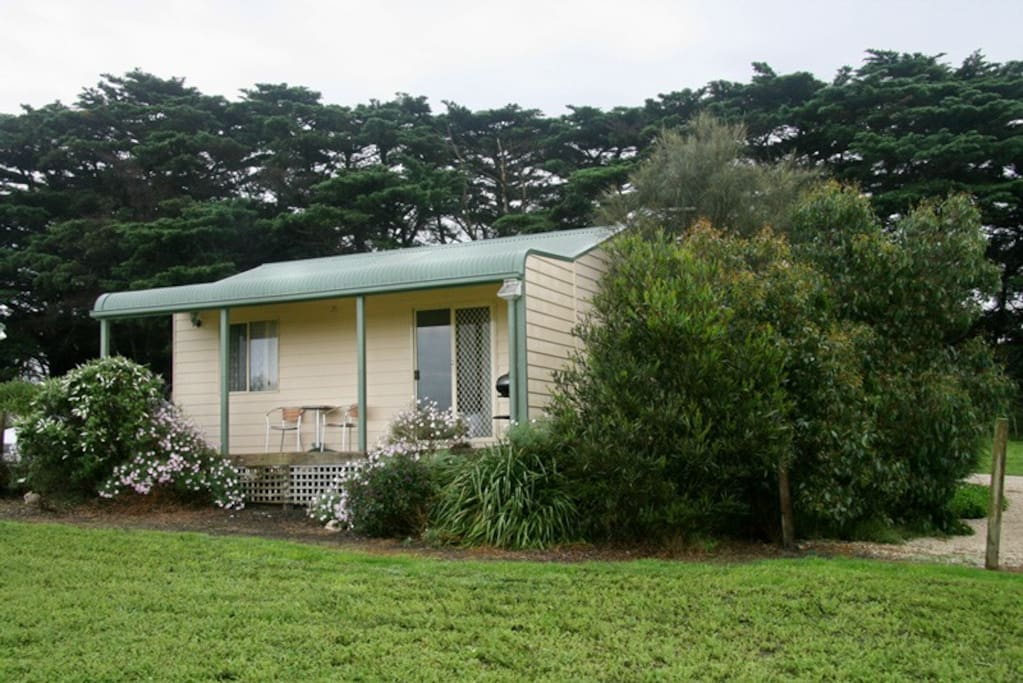 wilsons promontory single personals We are peaceful, quiet and set on a big 10 rural acres with lambs, alpacas and  wildlife, plus only 3 minutes to wilson's prom we accept adult couple or singles.