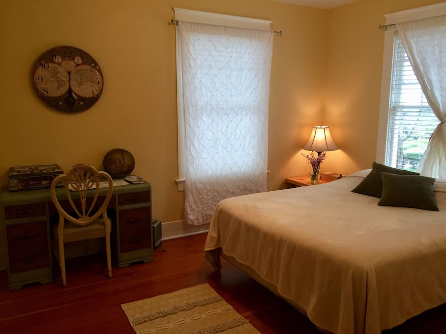 Tranquil room with queen sized memory foam mattress