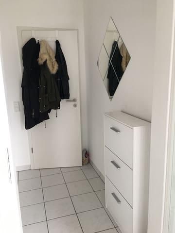Gemütliches 1-Z.-Apartment + Balkon - Кобленц - Квартира