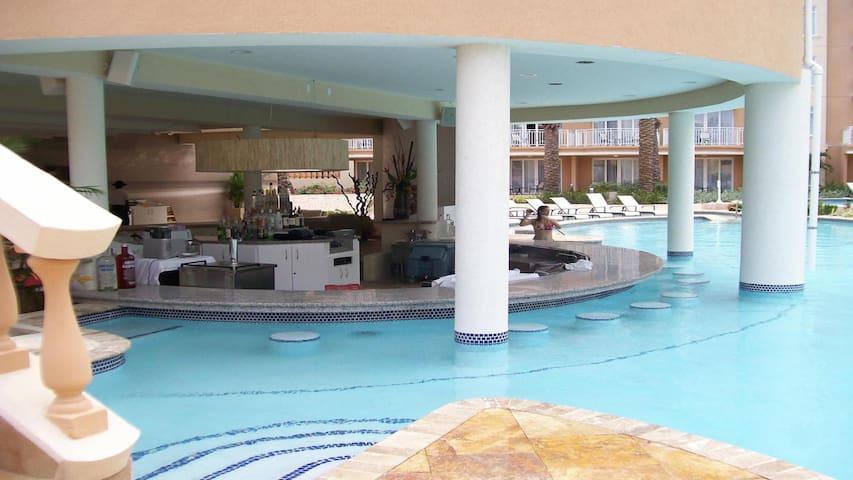 New Years Eve in Aruba Phoenix Beach Resort - Oranjestad-West - Devremülk
