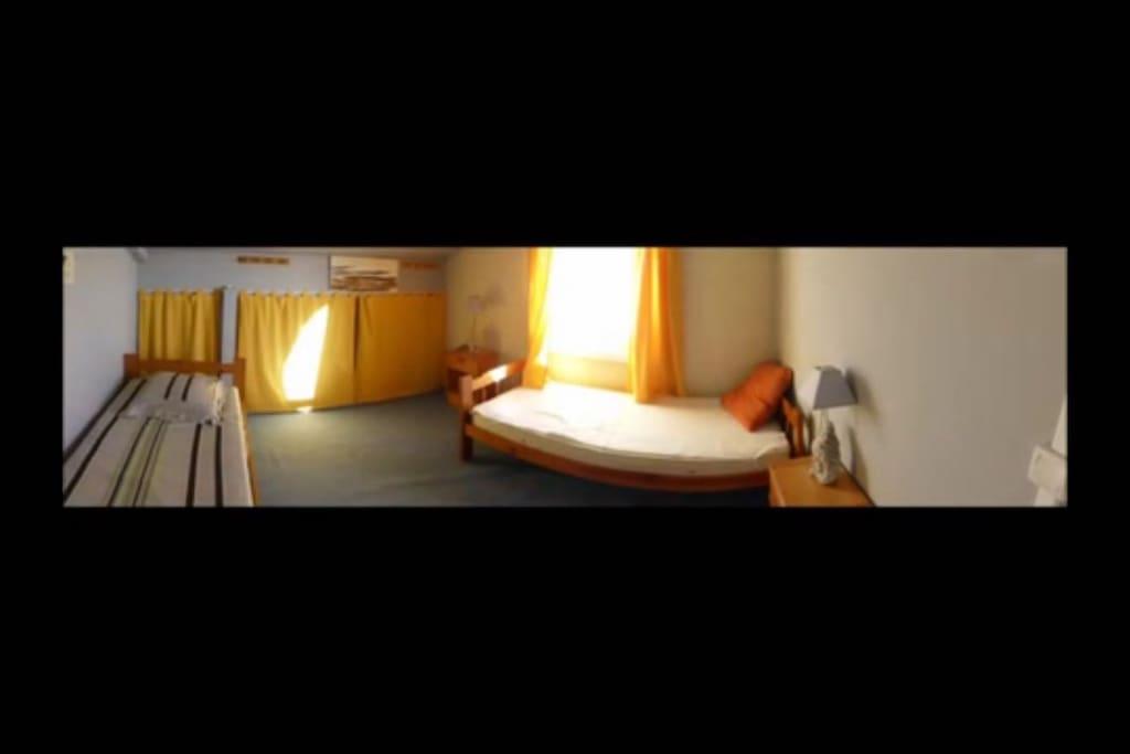 La chambre possibilité de collée les lits