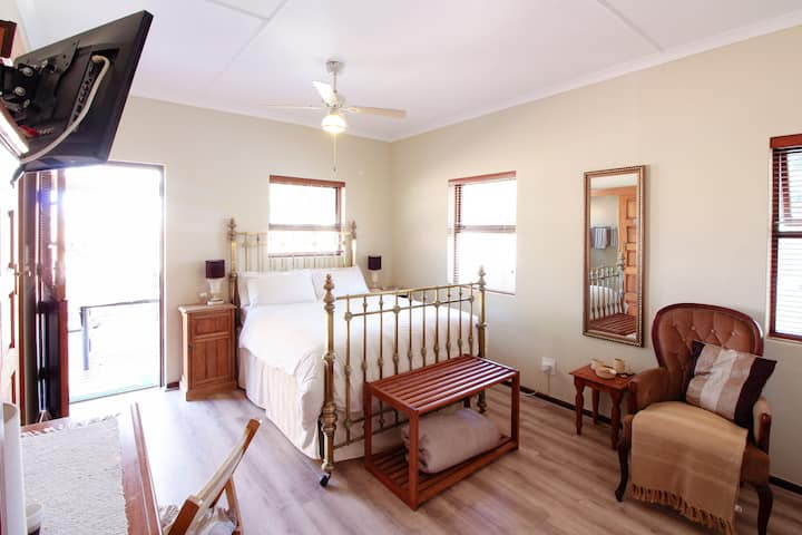 Amasun B&B - Room 1: Self Catering Studio