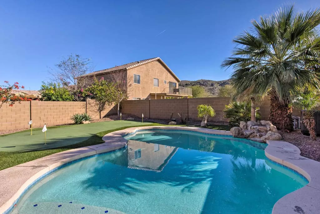 Pool & Putting Green by Southwest Greens of AZ