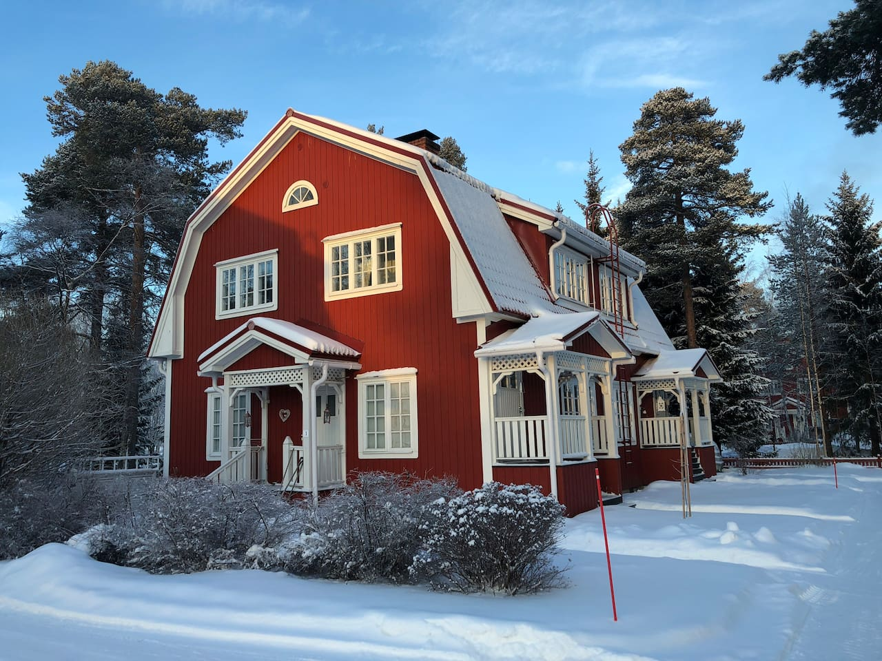Charming red, gingerbread-house flat with private entrance and great light.