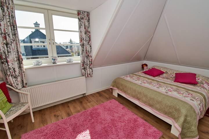 Gezellige kamer in dorpsvilla (max. 2 pers)