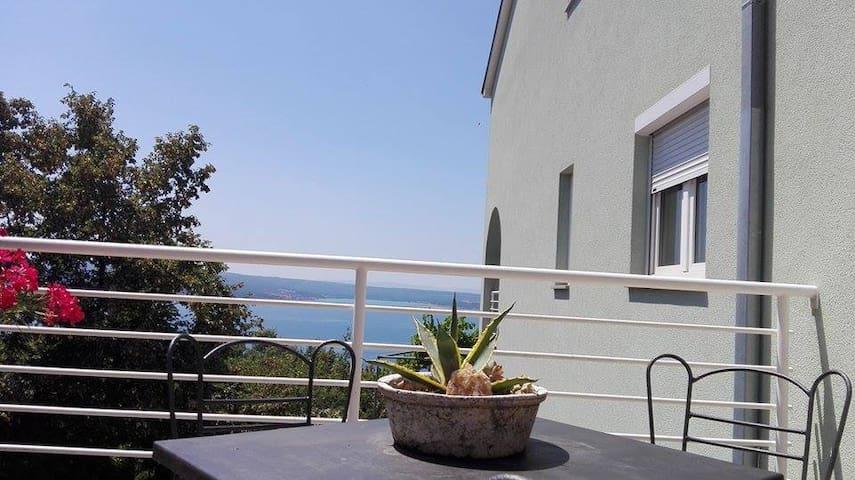 Apartment Nika - Cirquenizza - Appartamento