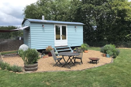 Totally self contained Shepherds hut, Suffolk