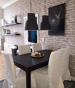 Nicks Holiday Home in Sandkrug - Hatten - Apartmen