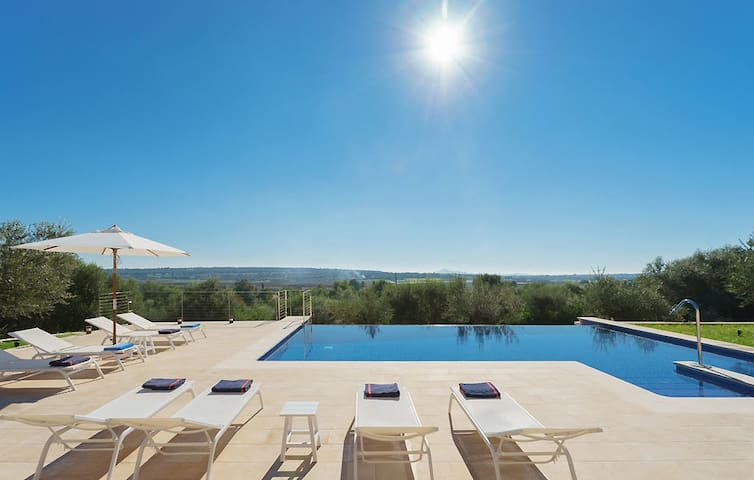 Finca Sa Garriga for 6 persons near Ariany Mallorca