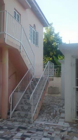G&R MOTEL FALMOUTH,TRELAWNY JAMAICA - Falmouth - Dům