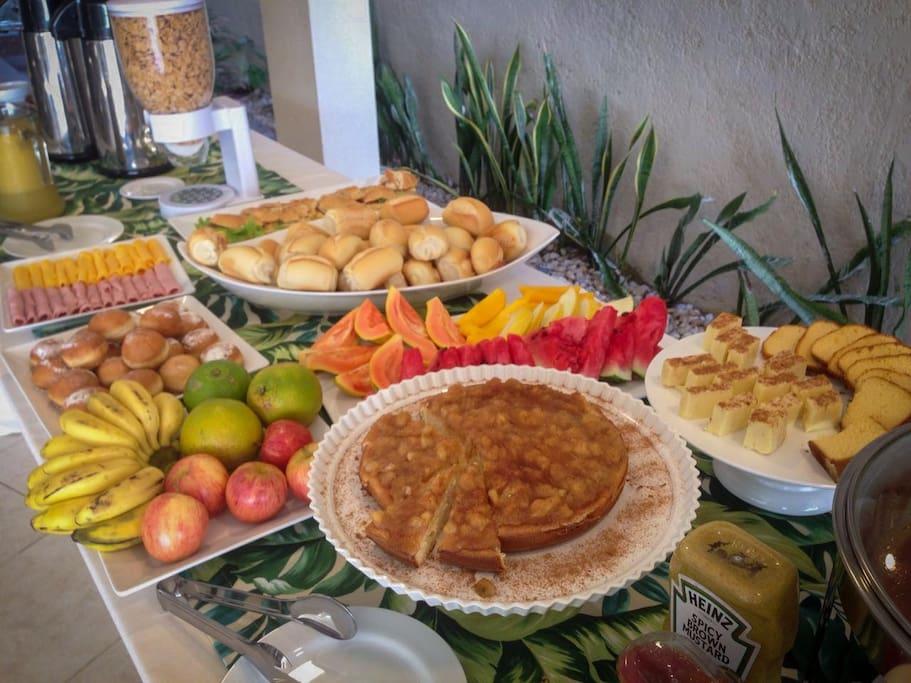 Buffet de café da manhã incluído para nossos hóspedes