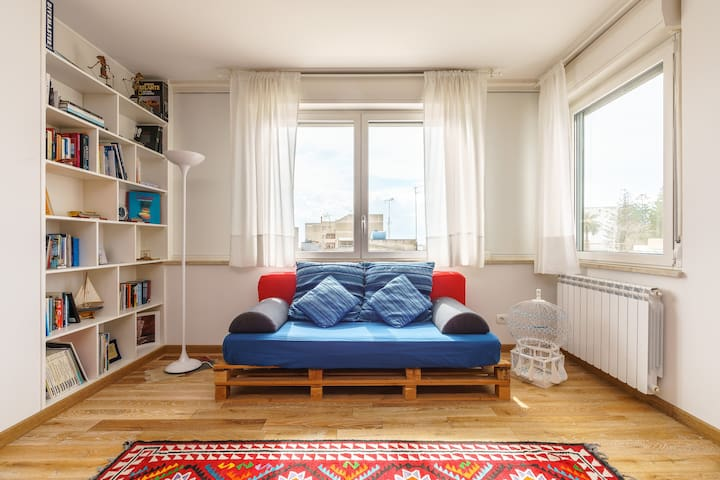 Cozy and Funny Flat downtown+sea!