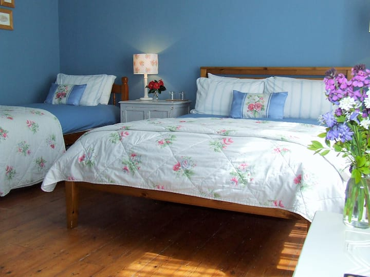 Lobhill Farmhouse | The Family Room
