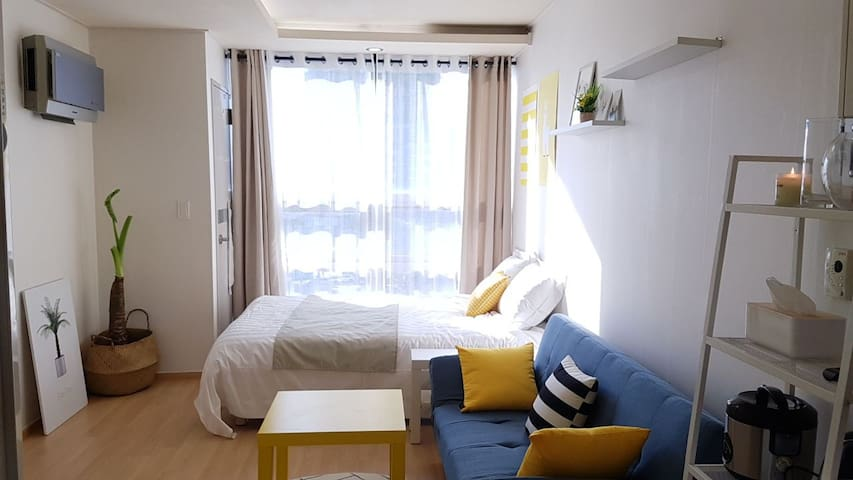 [COZY HOME #3] Amazing View! 1Min Sub. NearHongdae