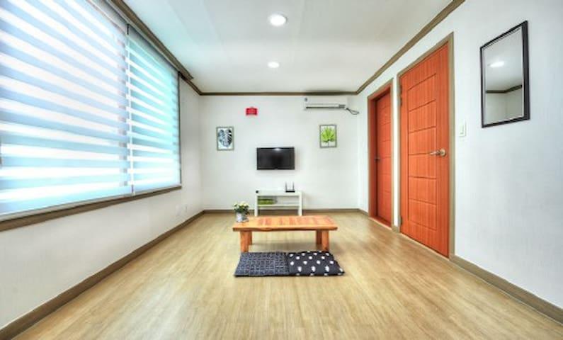 속초해수욕장 앞 깔끔한 온돌방(2층여우비) - Saemaeul-gil, Sokcho-si - Lägenhet