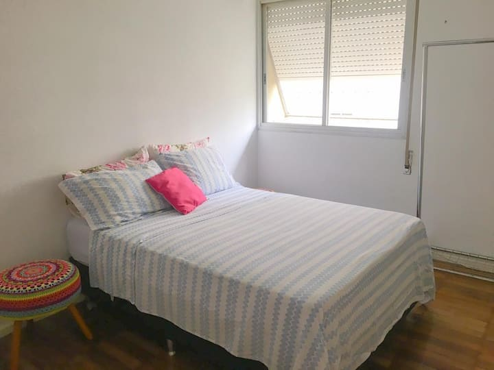 Excelente quarto para moças no melhor bairro de SP