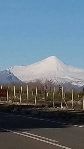 Volcan Antuco (vistas desde los alrededores del pueblo)