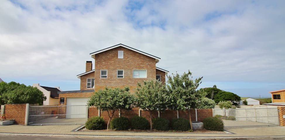 48 Twist Street, Pearly Beach, South Africa