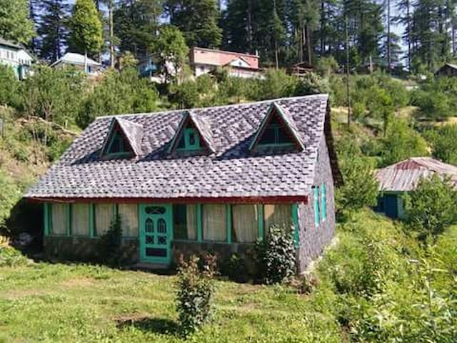 Himalayan view cottage. Bahu with  well equipment.