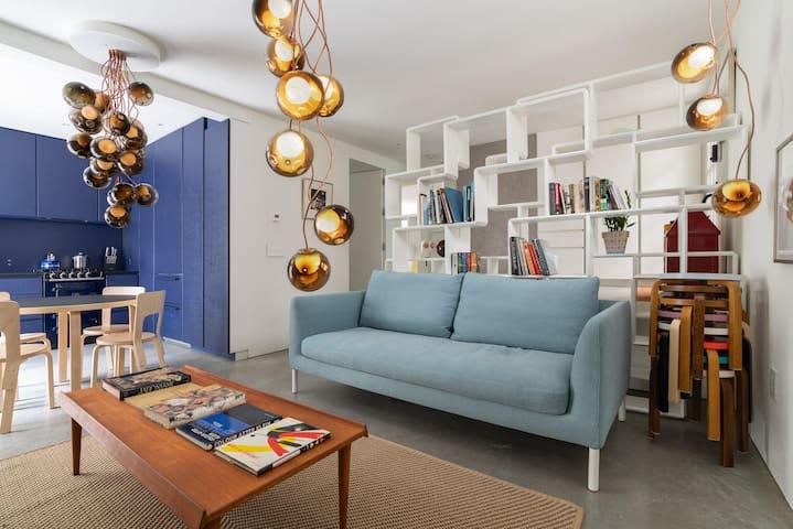 Stunning, Eclectic East Van Suite