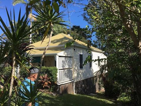 Brae Cottage, An original Queenslander cottage.