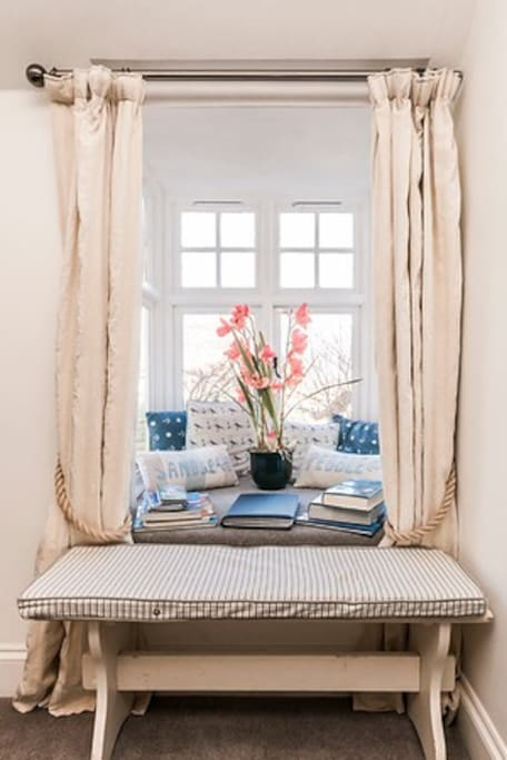 Cosy Window seat with sea view