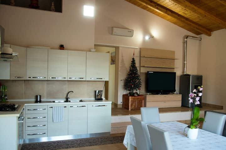 Wohnung mit 3 Schlafzimmern in Bosco di Caiazzo mit toller Aussicht auf die Berge, Pool, eingezäuntem Garten
